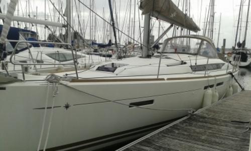Image of Jeanneau Sun Odyssey 409 for sale in France for €148,000 (£126,601) MORBIHAN, France