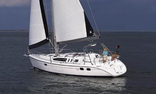 Image of Hunter 380 for sale in United States of America for $78,000 (£60,530) Bremerton, WA, United States of America