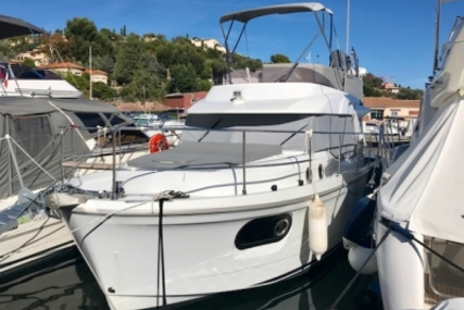 Beneteau Swift Trawler 30 for sale in France for €230,000 (£204,575)