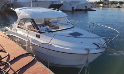 Image of Beneteau Antares 8 OB for sale in France for €68,000 (£60,522) ANTIBES, France