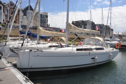 Dufour 335 GRAND LARGE for sale in France for €76,000 (£66,595)