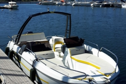 Beneteau Flyer 6.6 Sport Deck for sale in France for €33,000 (£29,352)