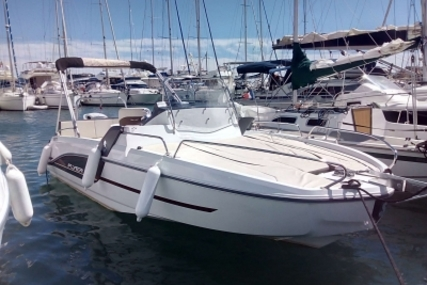 Beneteau Flyer 6.6 Sundeck for sale in France for €41,000 (£36,089)