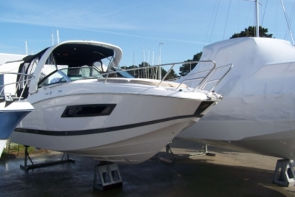 Four Winns Vista 255 for sale in France for €137,000 (£120,523)