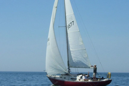 C & C Yachts 30 Redwing for sale in United States of America for $10,000 (£7,599)