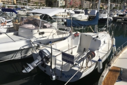 Jeanneau Sun Odyssey 2000 for sale in France for €10,900 (£9,592)