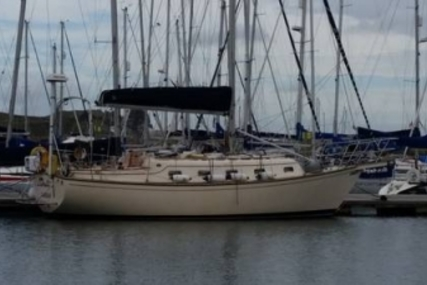 Island Packet 320 for sale in Ireland for €67,000 (£59,256)