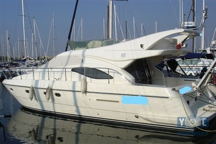 Ferretti 430 for sale in Italy for €150,000 (£131,395)