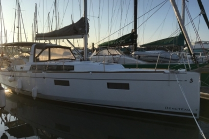 Beneteau OCEANIS 38 LIFTING KEEL for sale in France for €159,000 (£139,676)