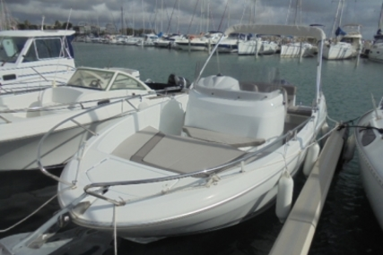 Jeanneau Cap Camarat 6.5 CC for sale in France for €27,000 (£23,816)