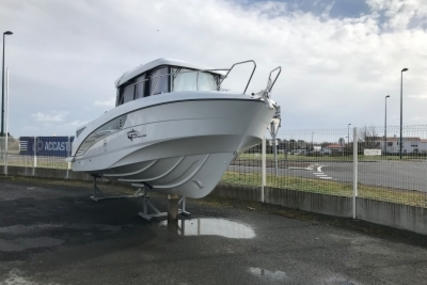Beneteau Barracuda 8 for sale in France for €87,900 (£77,336)