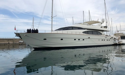Image of Azimut Yachts 78 Ultra for sale in Italy for €450,000 (£399,482) Italy