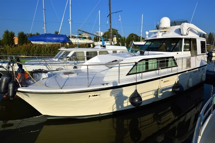 Hatteras 43 DC for sale in Belgium for €52,000 (£45,746)