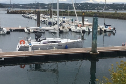 Beneteau Oceanis 31 for sale in France for €69,000 (£60,913)