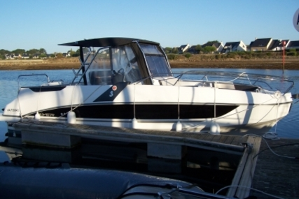 Beneteau Flyer 8.8 SpaceDeck for sale in France for €88,000 (£77,686)
