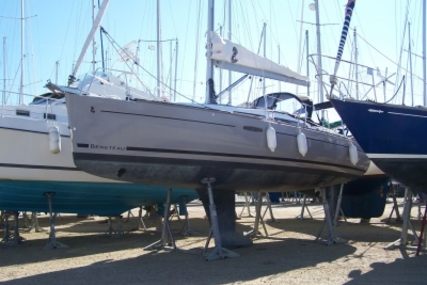Beneteau Oceanis 31 for sale in France for €92,000 (£80,216)
