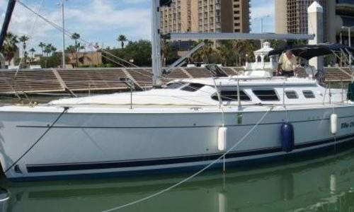 Image of Hunter 41 Deck Salon for sale in United States of America for $149,900 (£119,896) Kemah, TX, United States of America