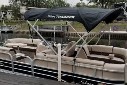 Sun Tracker 24 for sale in United States of America for $29,990 (£23,022)