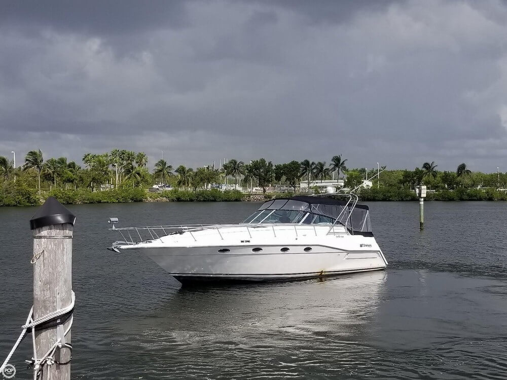Cruisers Yachts 3670 Esprit For Sale In United States Of America For