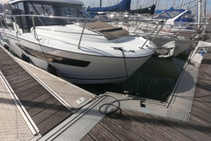Jeanneau Merry Fisher 895 for sale in France for €107,000 (£94,414)