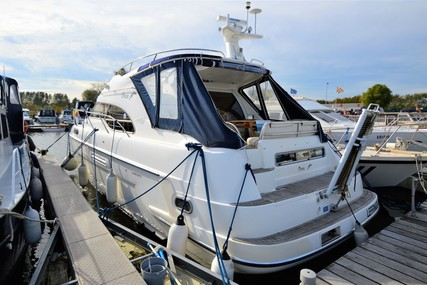 Sealine 390 Statesman Flybridge for sale in Belgium for €190,000 (£173,400)