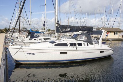 Hunter USA 310 for sale in Netherlands for €36,000 (£31,781)