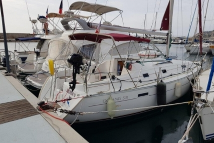 Beneteau Oceanis 331 Clipper for sale in France for €35,000 (£31,440)