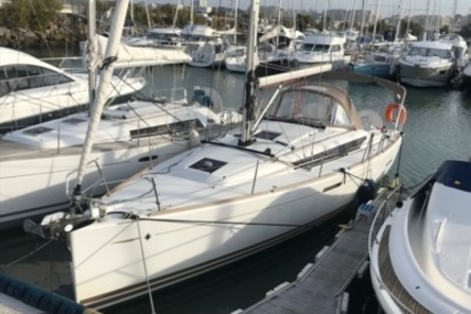 Jeanneau SUN ODYSSEY 379 LIFTING KEEL for sale in France for €123,000 (£107,707)