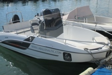 Beneteau Flyer 5.5 Spacedeck for sale in France for €20,000 (£17,648)