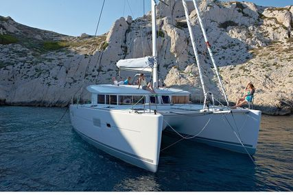 Lagoon 400 S2 for sale in Greece for €270,000 (£236,429)