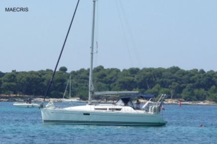 Jeanneau Sun Odyssey 36i for sale in France for €72,000 (£64,677)