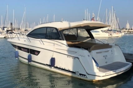 Jeanneau Leader 10 for sale in France for €126,000 (£109,557)