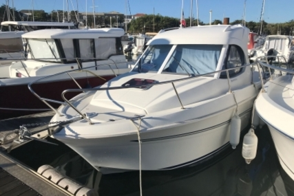 Beneteau Antares 7 for sale in France for €33,000 (£29,120)