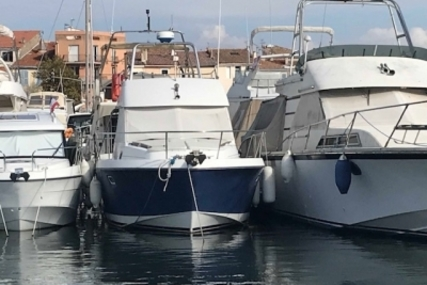 Beneteau Antares 9 Fly for sale in France for €42,000 (£37,102)