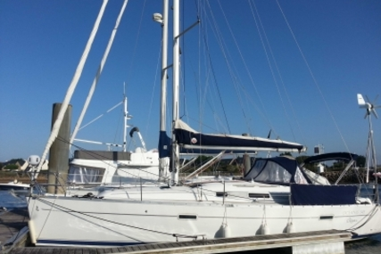 Beneteau Oceanis 343 for sale in France for €57,000 (£50,977)