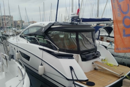 Beneteau Gran Turismo 40 for sale in France for €309,900 (£271,461)