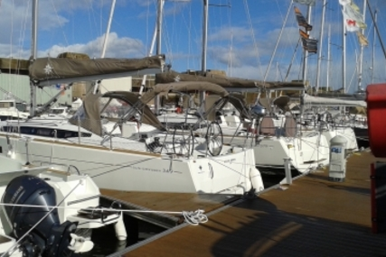 Jeanneau Sun Odyssey 349 Lifting Keel for sale in France for €89,900 (£79,509)