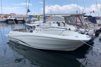 Jeanneau Cap Camarat 7.5 Cc for sale in France for €35,900 (£31,692)