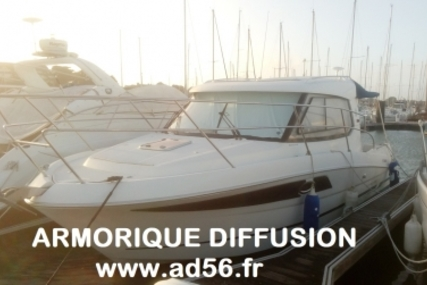 Beneteau Antares 880 HB for sale in France for €54,000 (£47,396)