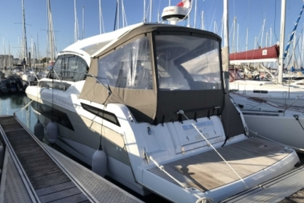Jeanneau Leader 33 for sale in France for €238,000 (£206,273)