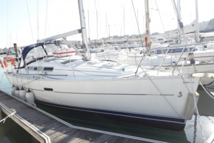 Beneteau Oceanis 323 Clipper for sale in France for €48,500 (£43,556)