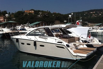 Sealine SC 35 for sale in Italy for €195,000 (£173,390)