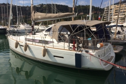 Jeanneau Sun Odyssey 379 for sale in France for €130,000 (£112,535)