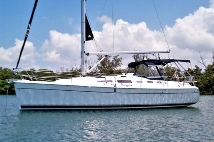 Hunter 38 for sale in United States of America for $125,000 (£96,929)