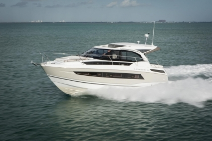 Jeanneau Leader 33 for sale in Germany for €209,900 (£185,421)