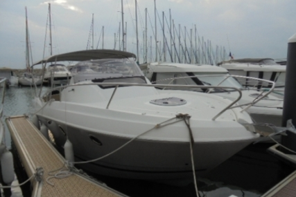 Beneteau Flyer 850 Sundeck for sale in France for €49,500 (£44,470)
