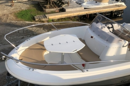 Jeanneau Cap Camarat 5.1 CC for sale in France for €13,000 (£11,623)