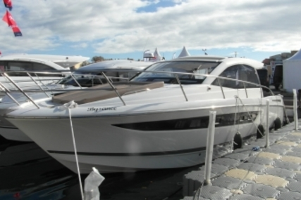 Jeanneau Leader 10 for sale in France for €119,000 (£101,822)