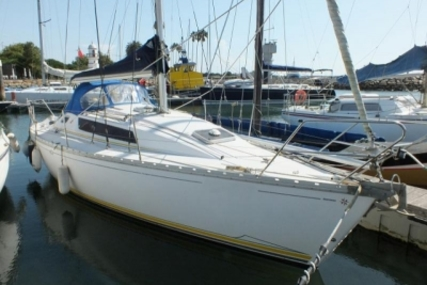 Jeanneau SUN LIGHT 31 LIFTING KEEL for sale in Portugal for €32,000 (£28,268)