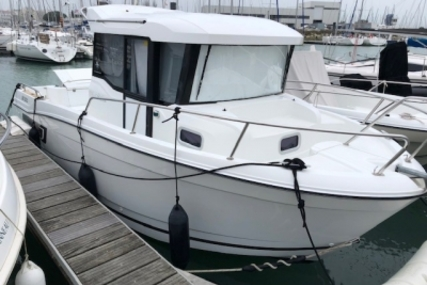 Jeanneau Merry Fisher 695 Marlin for sale in France for €39,900 (£34,140)